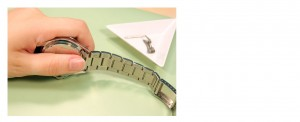Change a Metal Watch Band_step4