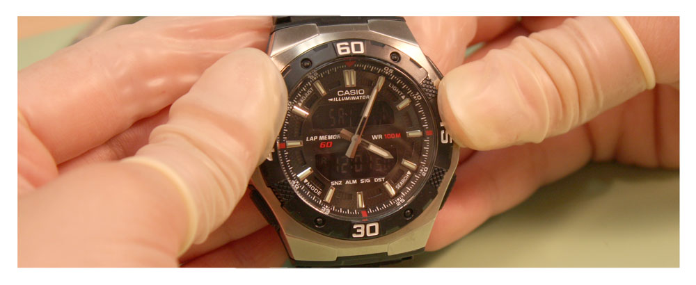 Replace Two Side-by-Side Watch Batteries_photo13