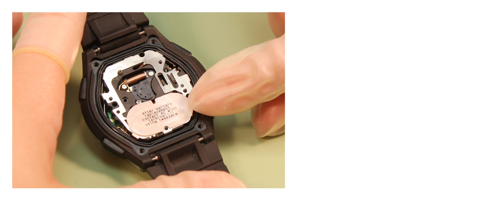 Replace Two Side-by-Side Watch Batteries_photo2