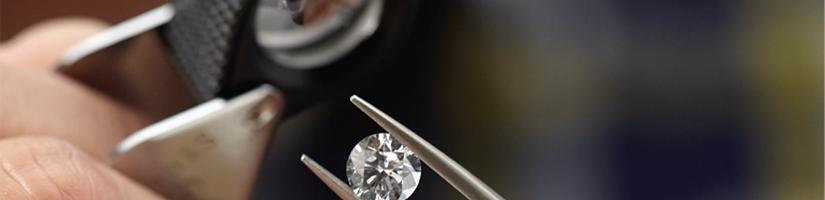 bench-jeweler-helzberg-diamonds