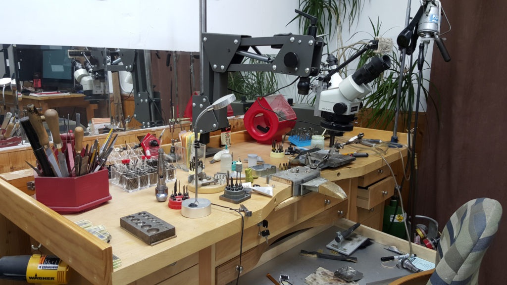 watchmaker-anderson-bros-jewelers
