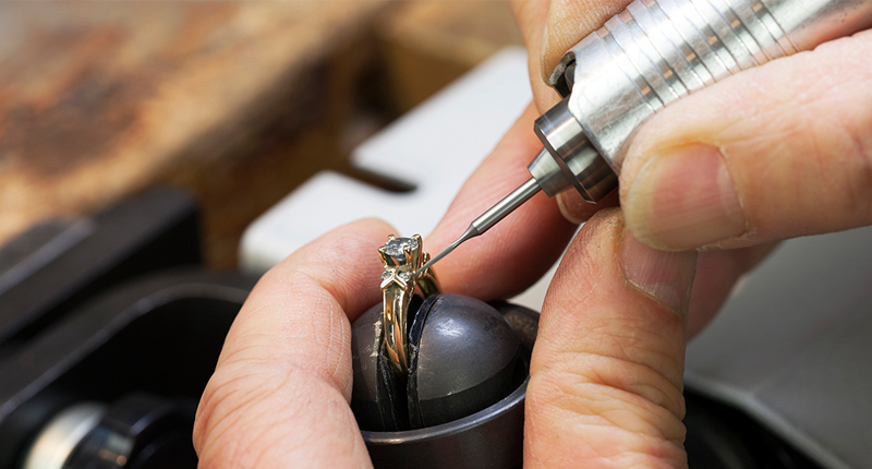 Bench Jeweler, Guzzi Fine Jewelers