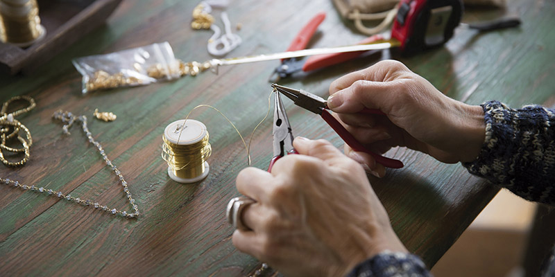 Job opening for senior jewelry designer with kate spade for Jewelry making supply store