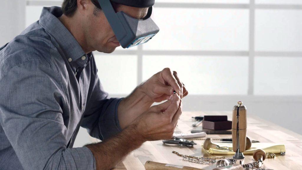 jeweler-goldsmith-fast-fix-jewelry-watch-repairs