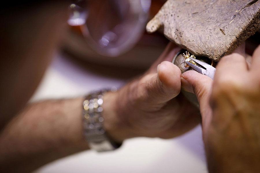 Job Opening for Bench Jeweler Stuart FL Esslinger Watchmaker