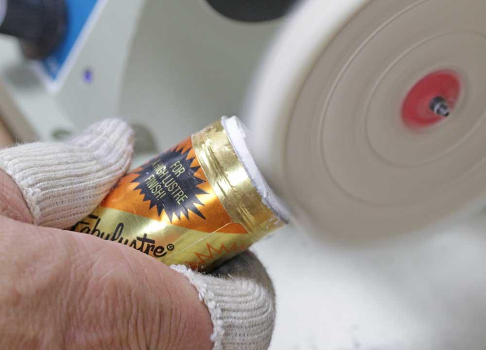 Polishing a Stainless Steel Watch Case | Esslinger